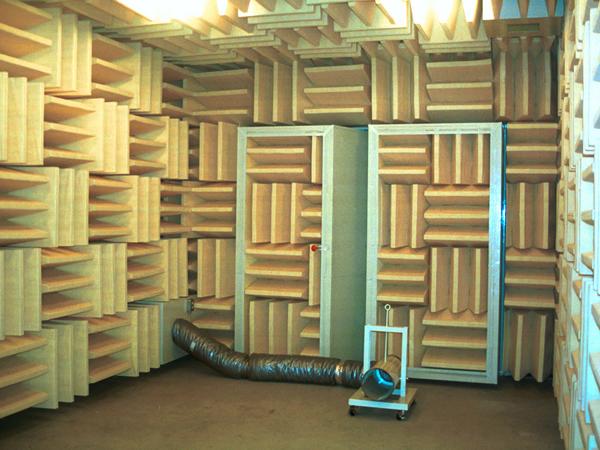産業用音響計測室